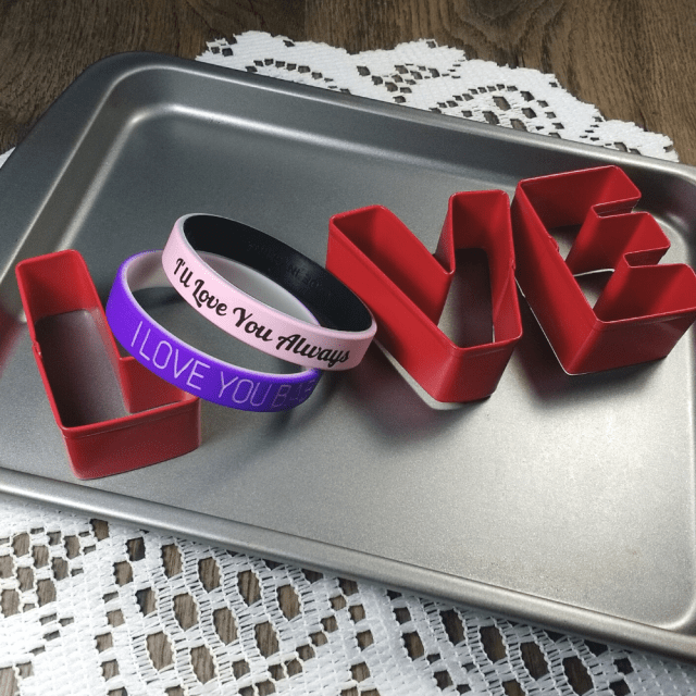 I-love-you-wristbands.png